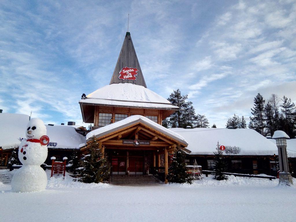 Das Weihnachtsmanndorf in der Nähe von Rovaniemi in Finnland
