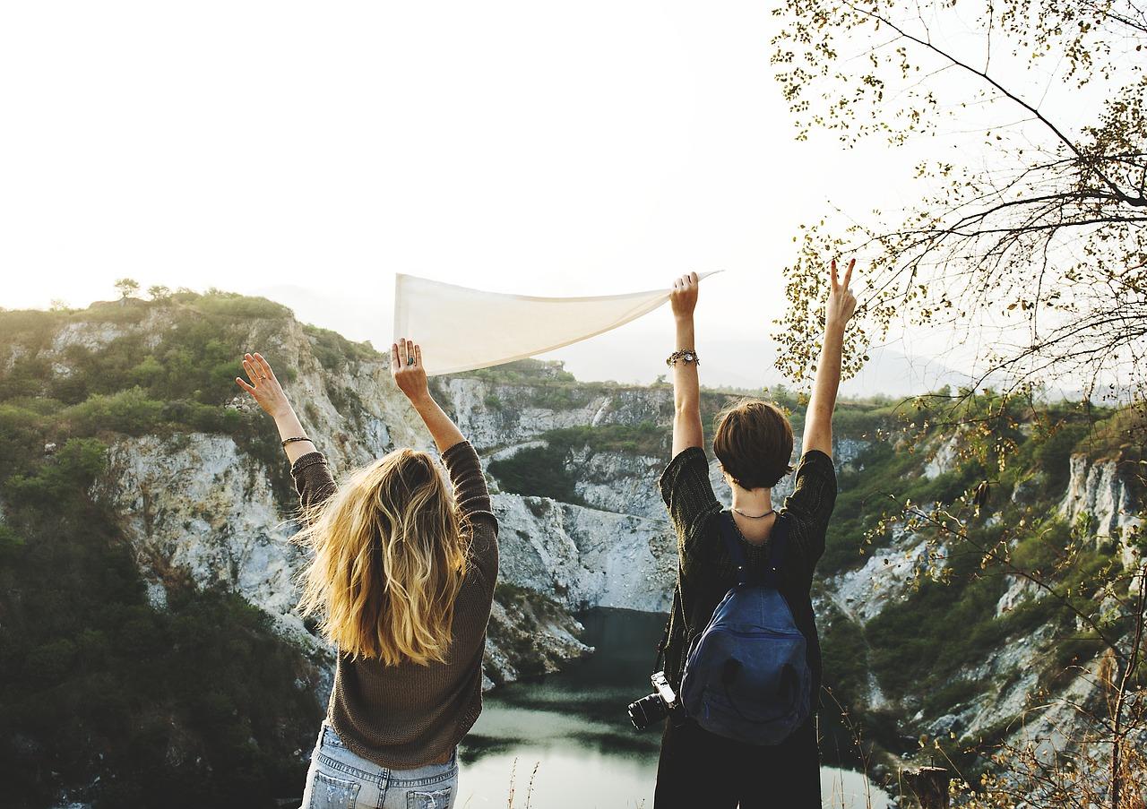 Zusammen verreisen mit Freunden oder der Gruppe